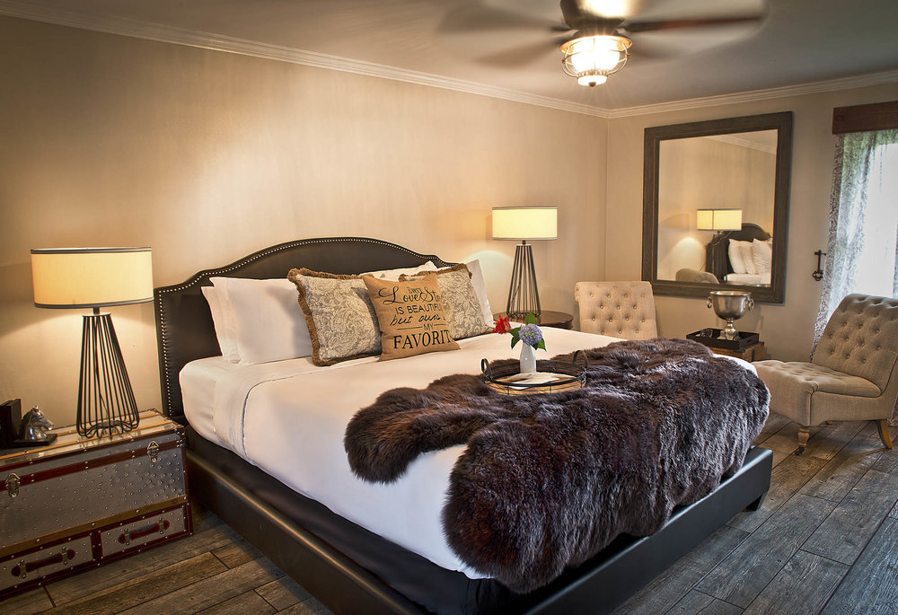 Maxwell Mansion Room Stable 3 Lake Geneva Wisconsin.jpg