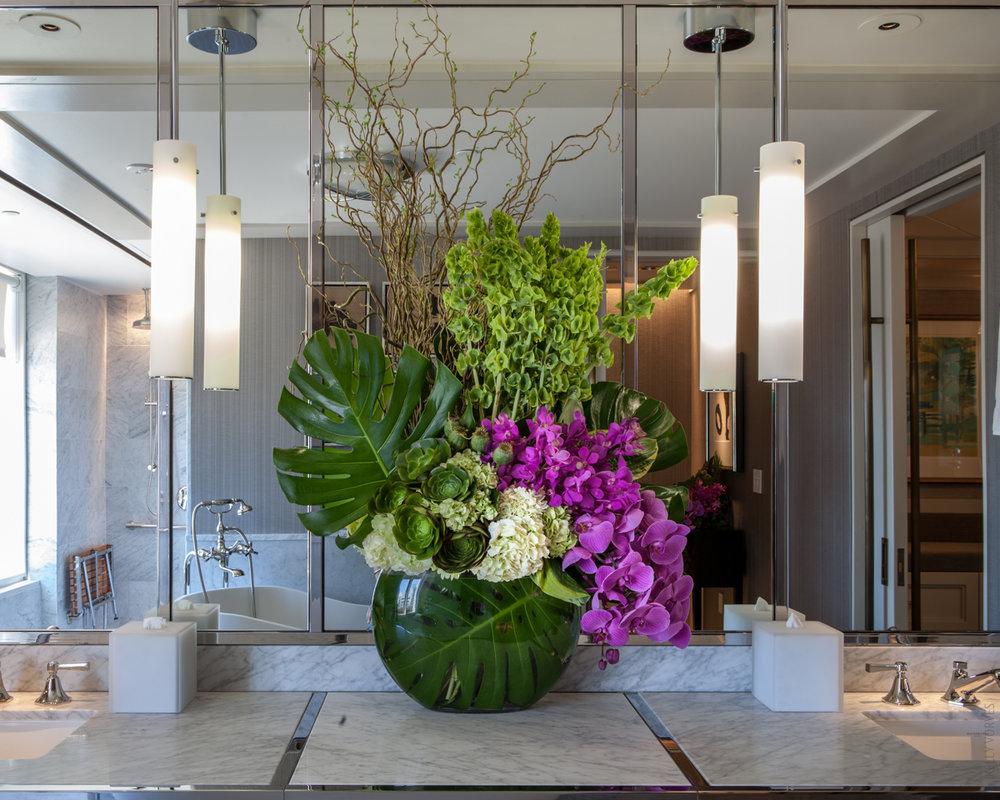 web_Urban Botanica Flowers_Mandarin Oriental Suite_Photo by Kelly Vorves-3741.jpg