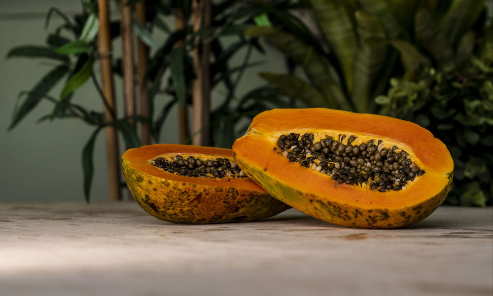 papayas - 80 percent of conventional papayas had no detectable pesticide residues.None of the nearly 750 samples of conventionally grown papayas tested contained more than three pesticides.