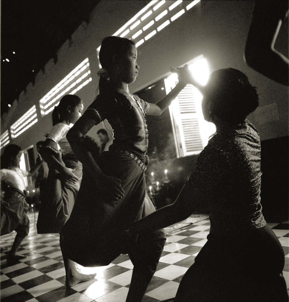 backlitdancer03rgb.jpg