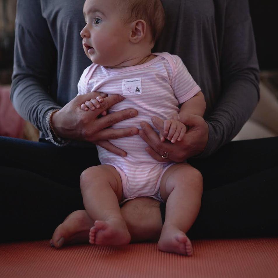 Immersion d'un jour en yoga postnatal, et maman-bébé