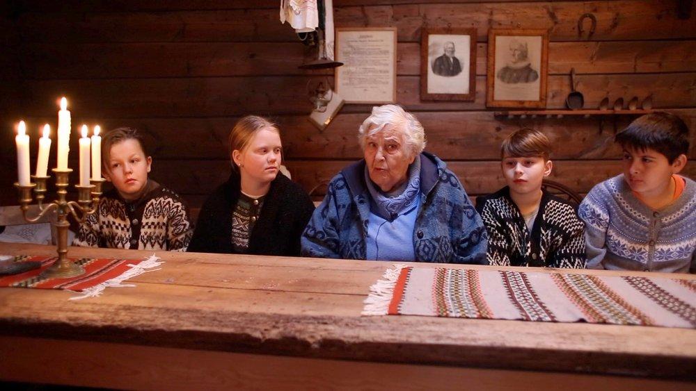 Stillbilete frå filmen til Omvikdalen skule, foto Merethe Offerdal Tveit