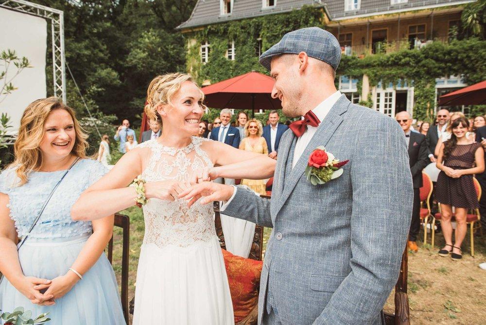 Trauung-Hochzeitstag-Ringübergabe-Witz-Märkische-Schweiz..jpg