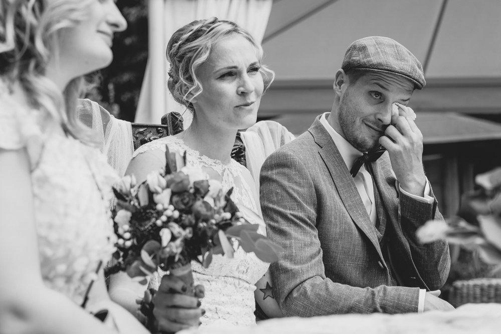 Hochzeit-Trauung-Emotionen-Tränen-Glücklichsein-Buckow.jpg