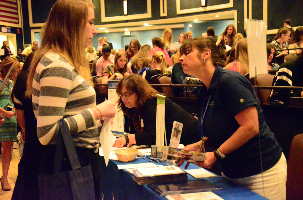 Students get to know colleges.