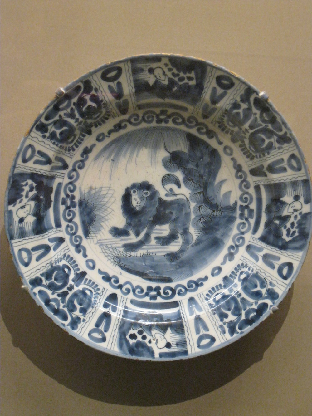 Delftware plate, made in the Netherlands, 1680-1700
