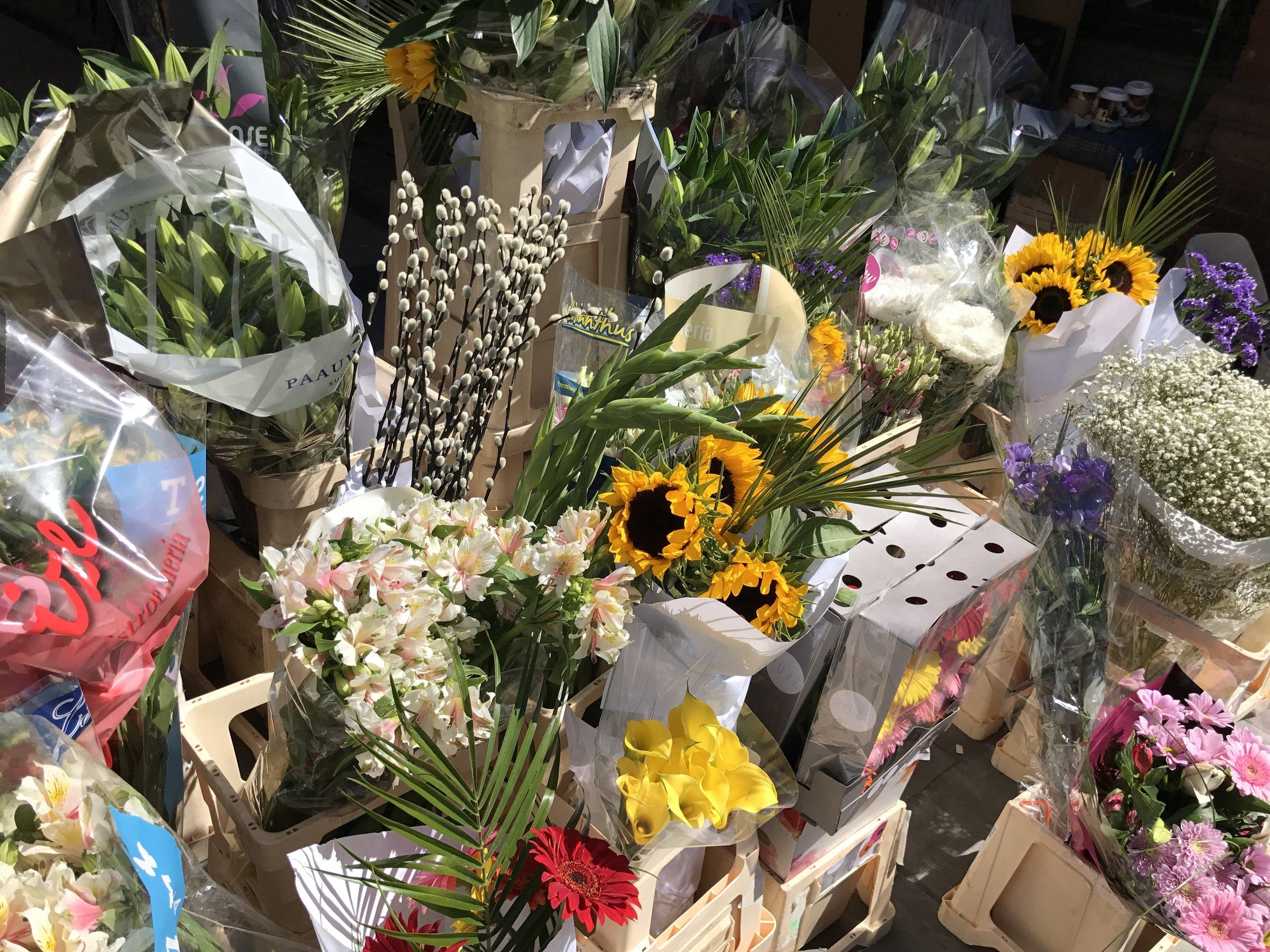 Ireland Travel Guide Dublin Flower Market
