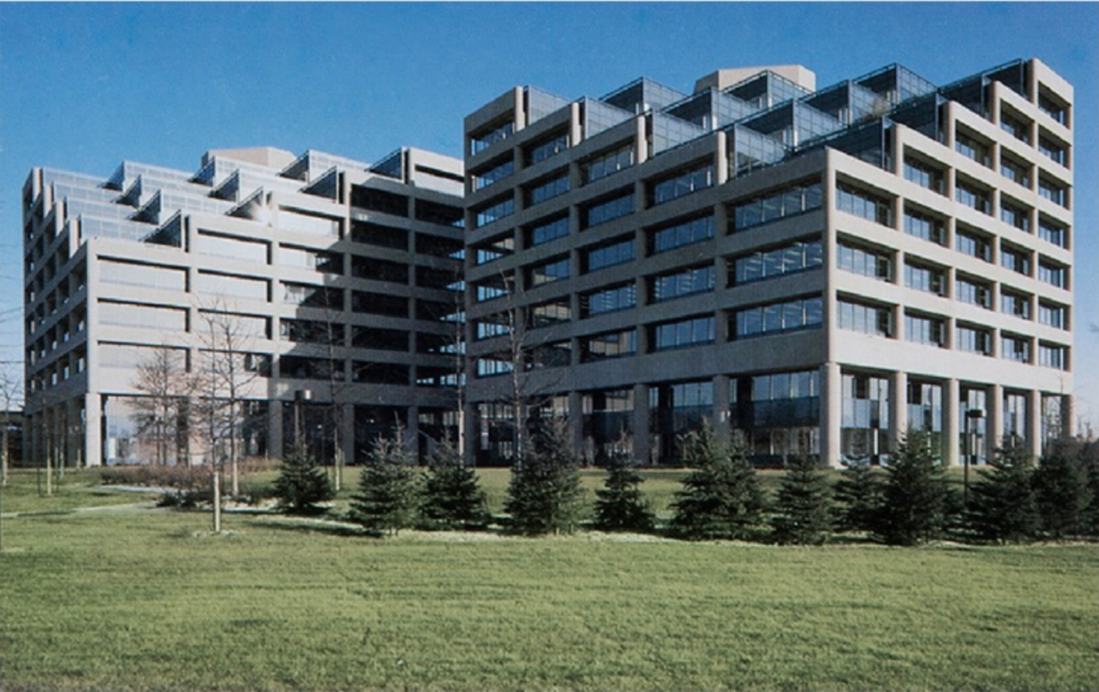 DOVER PARK: SUBURBAN OFFICE PARK OF FOUR SIMILAR BUILDINGS DESIGNED BY SKIDMORE, OWINGS AND MERRILL OF NY - ONTARIO, CANADA