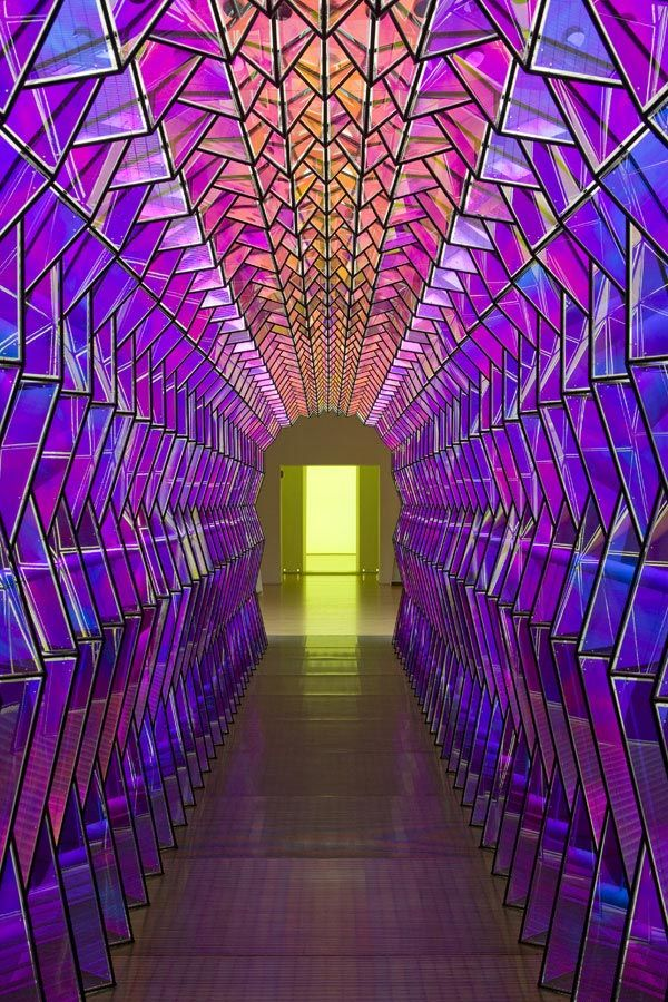 Olafur Eliasson,  One-way colour tunnel , 2007.