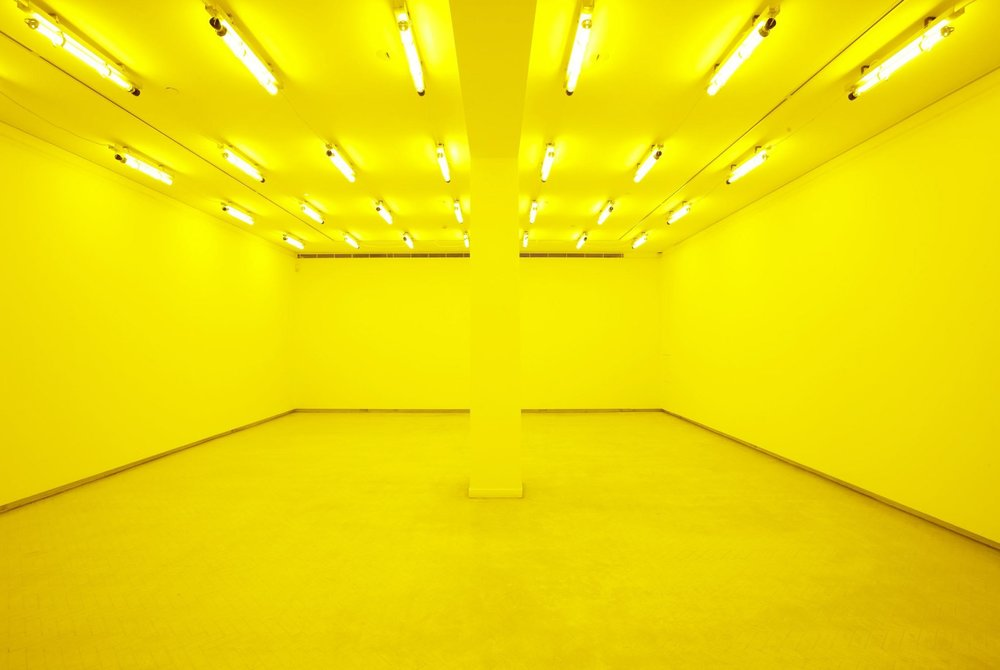 Olafur Eliasson,  Room for one colour , 1997
