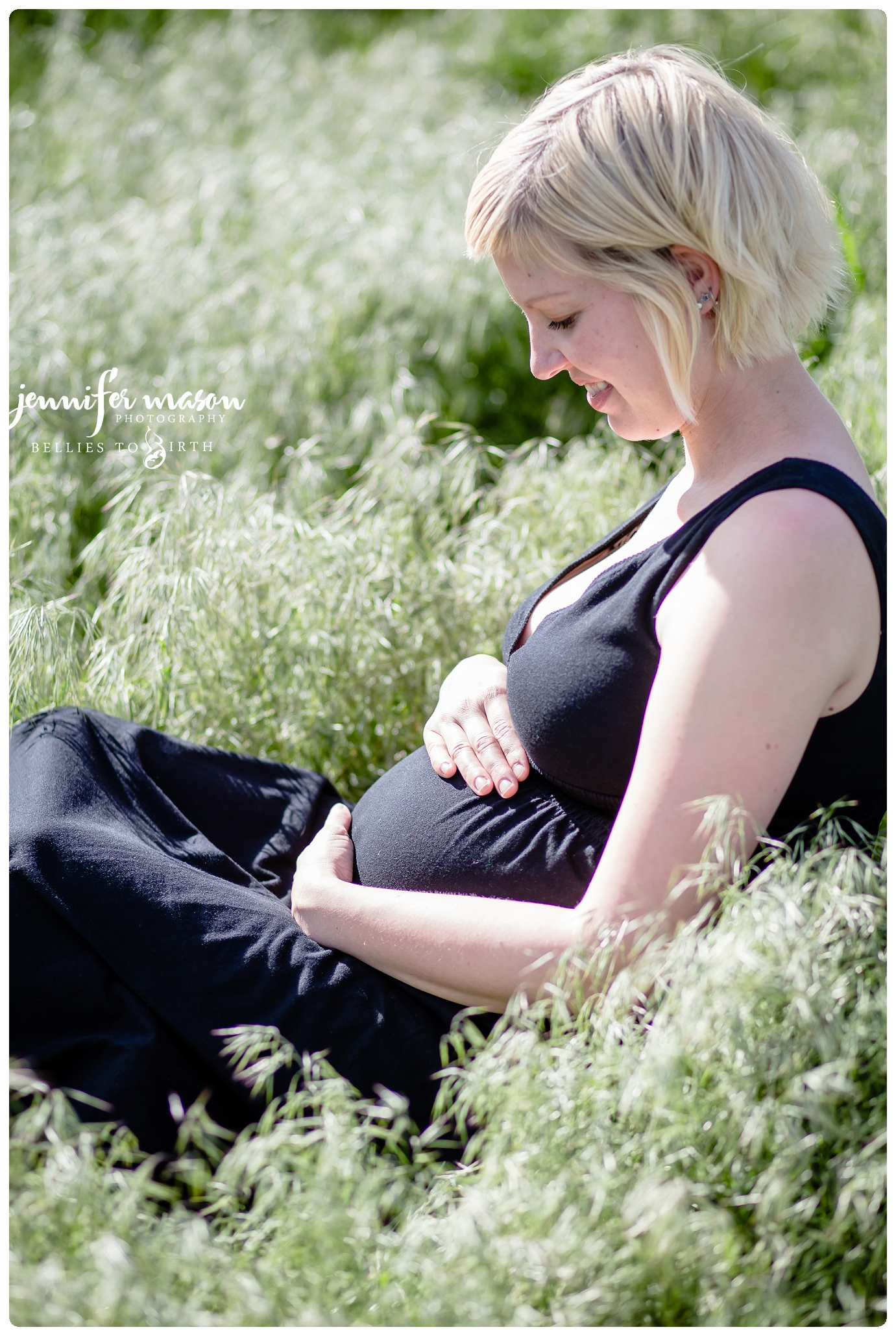 I am in love with this session, maternity photos in Evergreen