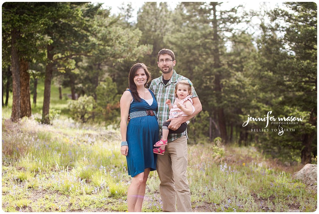 Genesee and Evergreen maternity photographer, maternity photos with family, find a maternity photographer, natural maternity photos, birth photographer in Wheat Ridge