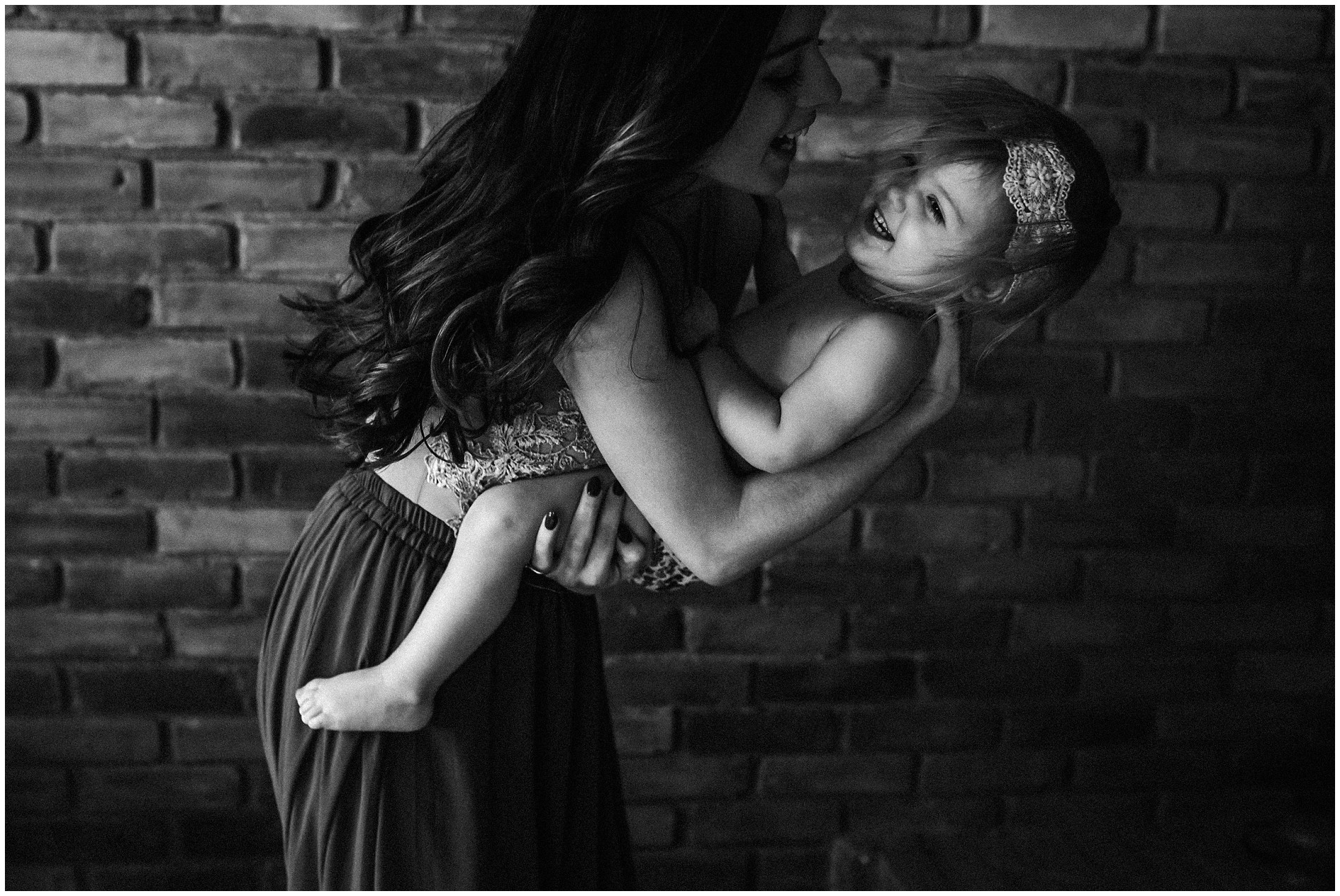 Jennifer Specializes in birth and motherhood photography in Chelsea, Michigan