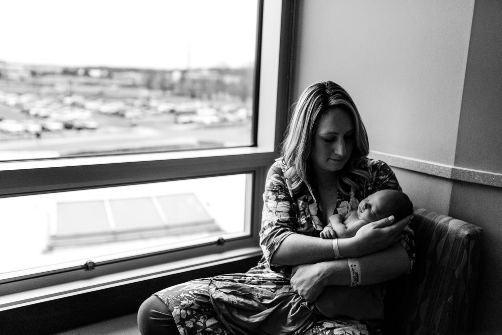 Snuggling-newborn-baby-photography-Ann-Arbor