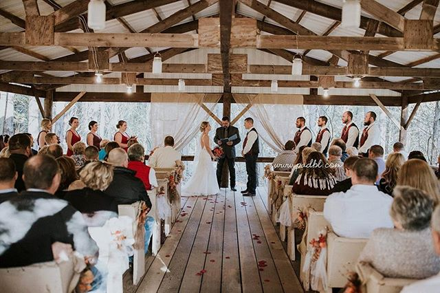 Our outdoor ceremony space is a short walk through the woods in an idyllic location that you and your guests won't forget. Learn more about our venue using the link in bio. 💛