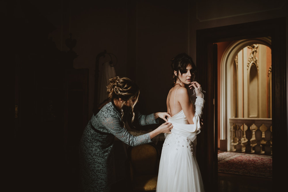 STYLED SHOOT IN BOLOGNA'S HILLS -