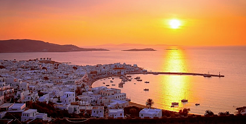 Sunset in Mykonos, Greece@0.5x.jpg