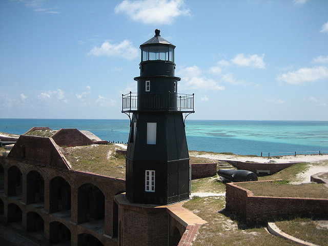 Dry-tortugas-ferry-key-west-fort-lighthouse.jpg