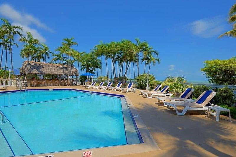 key-west-bayside-inn-suites-pool.jpg