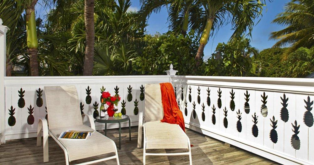 tropical-inn-key-west-patio.jpg