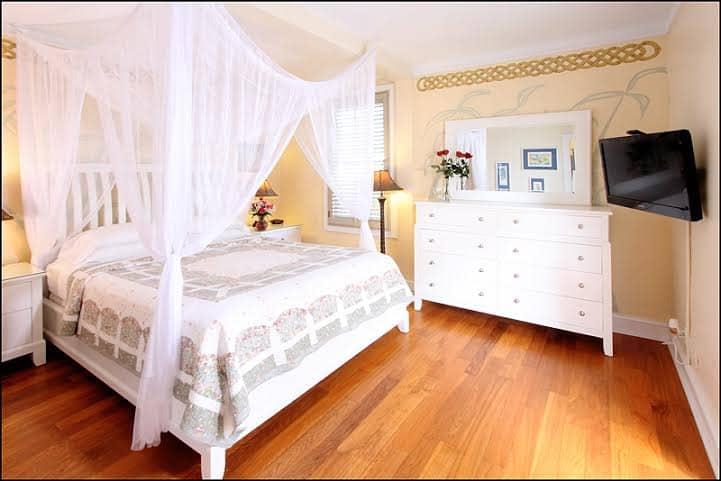 duval-gardens-key-west-room.jpg
