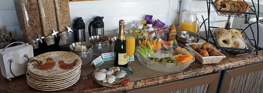 seascape-tropical-inn-buffet.jpg