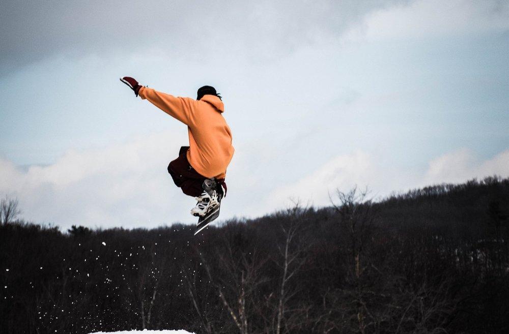 action-agility-balance-1635087.jpg