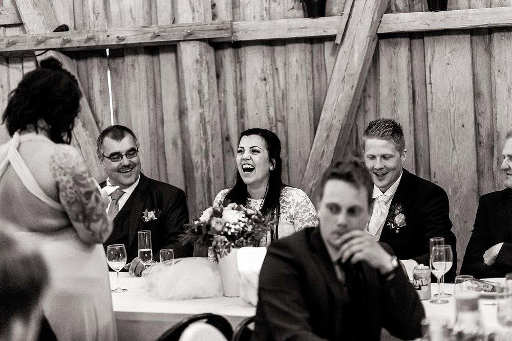 bryllupsfotografering-drobak_laavebryllup_bryllupsfotograf_weddinghotographer_©Ann-sissel-holthe_0169.jpg