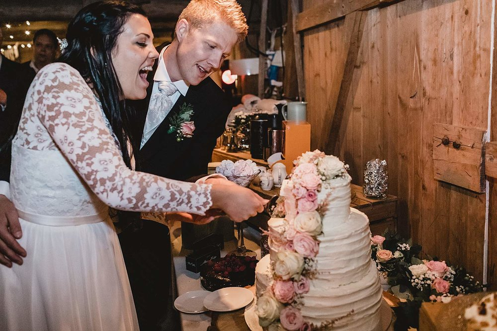 bryllupsfotografering-drobak_laavebryllup_bryllupsfotograf_weddinghotographer_©Ann-sissel-holthe_0160.jpg