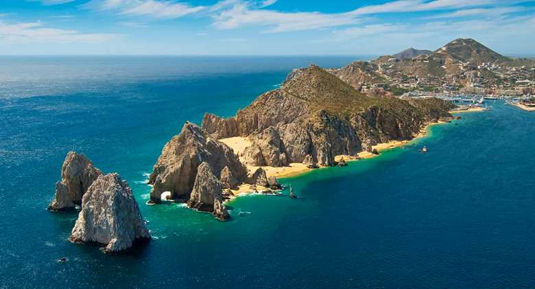 los-cabos_dest_istock_000012552288_noboats.jpeg