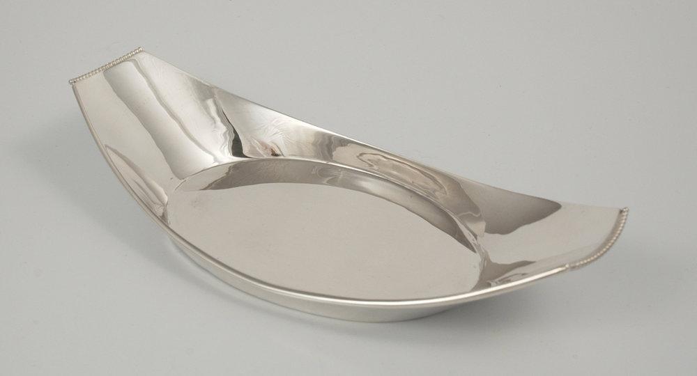 Oval Dish decorative ends.jpg