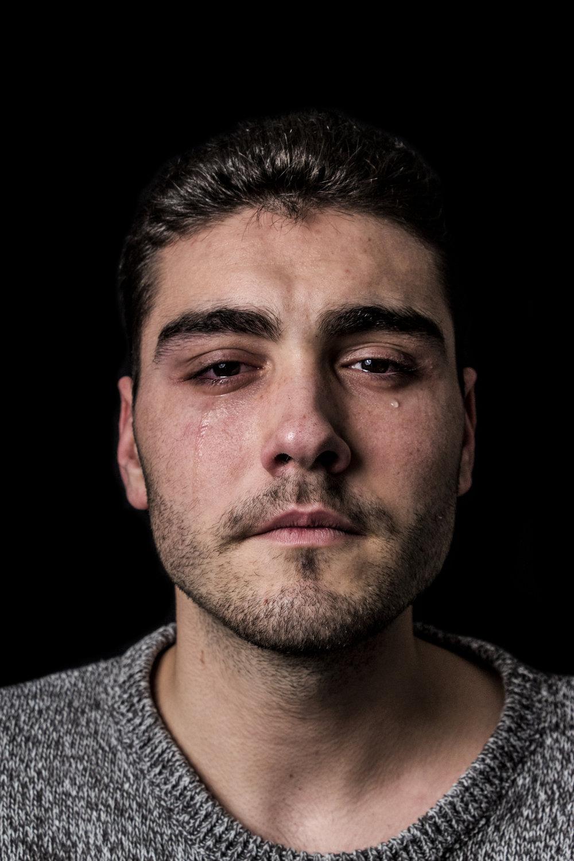 Milos (20)    Kako voda cisti telo, ako suze ciste dusu.   How water purifies the body, tears purify the soul.