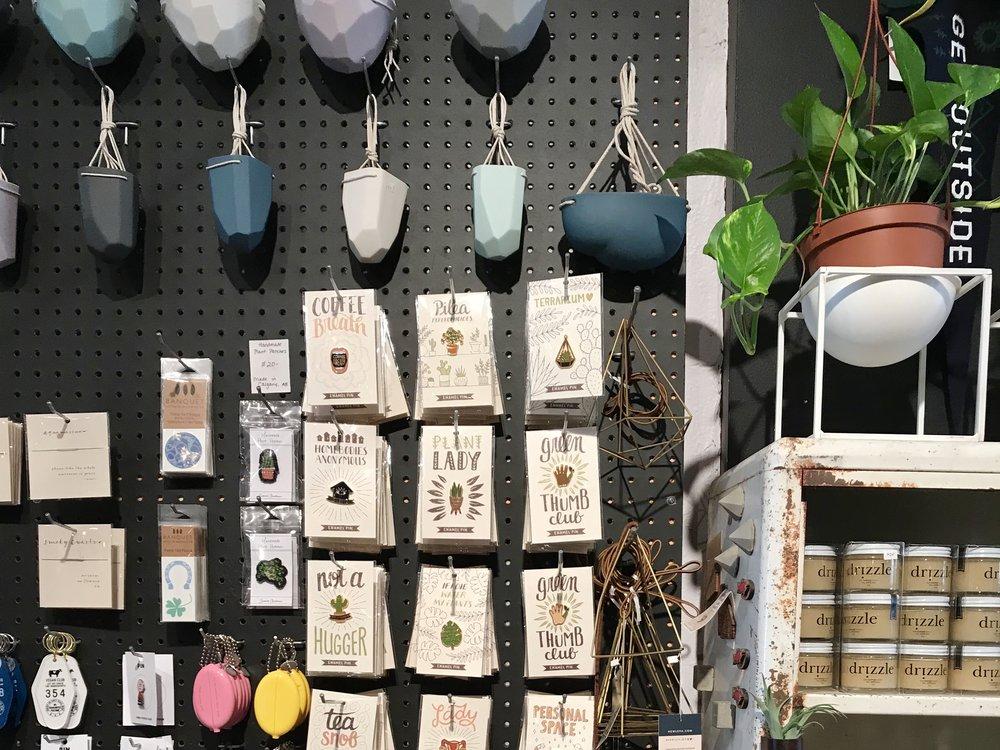 visit-plant-shop-calgary-accessories