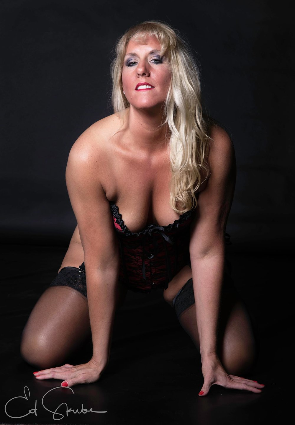 This sinfully, skilled, seductress will have your heart pounding the moment you see her. Her essence is sure to make even you feel a little evil inside.