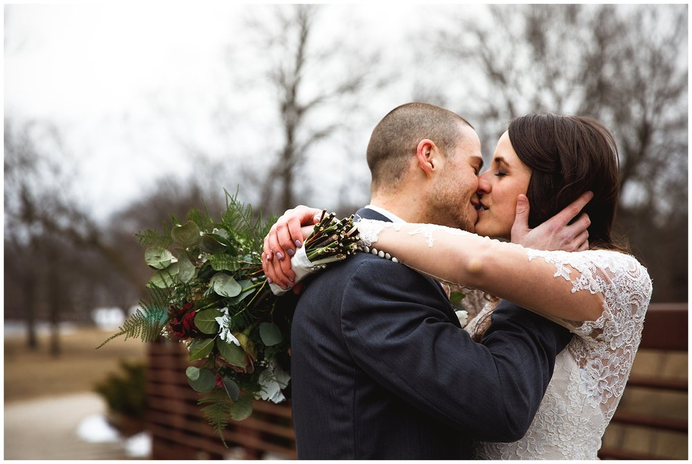 Kylie-Don-Winter-Wedding-chelsea-matson-photography_0096.jpg