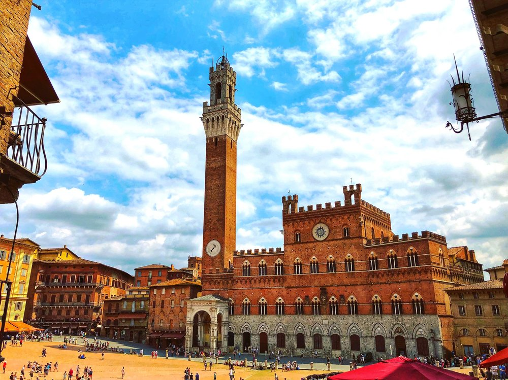 Piazza+del+Campo,+Siena.jpeg