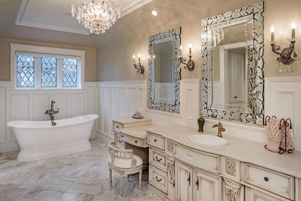 Ornate-Traditional-Bath.JPG