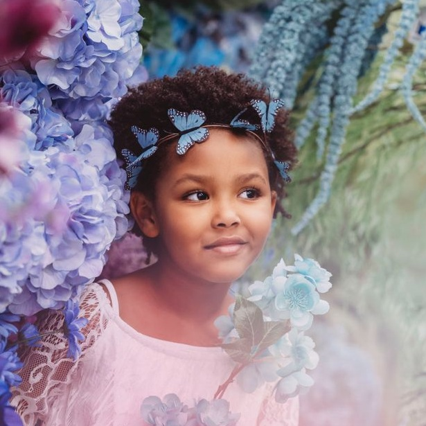 photos-of-little-girl-among-flowers-for-photo-project.jpg