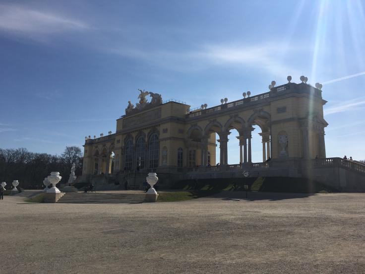 schonbrunn-palace-back-monument1.jpg
