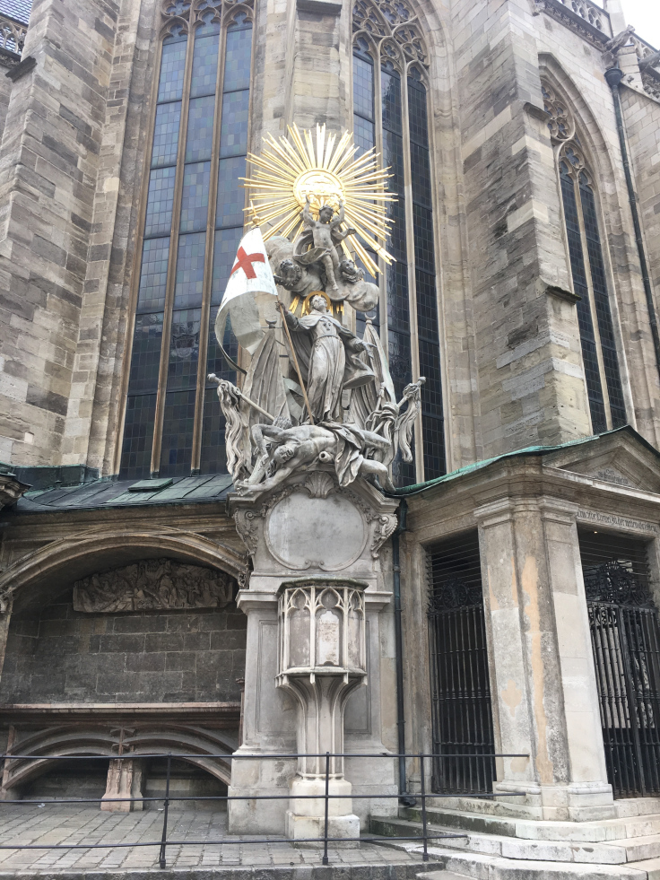 st-stephens-cathedral-statue-on-side.jpg