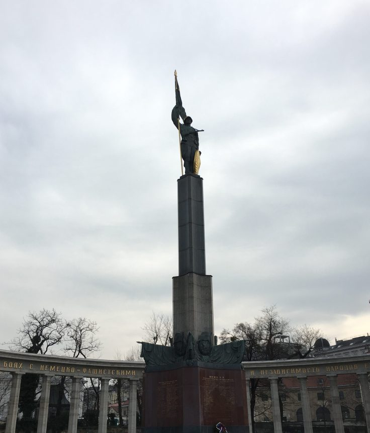 red-army-monument-e1490631583567.jpg