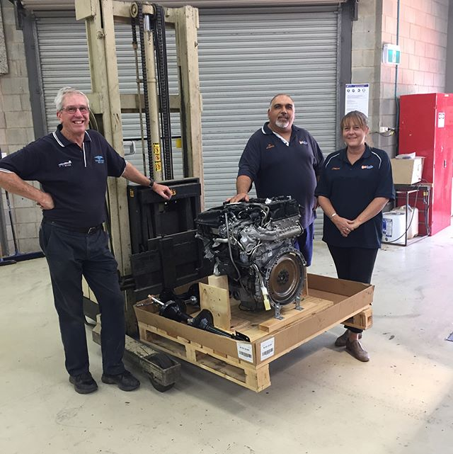 Ken dropping off an engine we have donated to the @gotafe team. Thanks Dee and Joe, hope the students enjoy the challenge! #shepparton #gotafe #shoplocal #goulburnvalley #carsaustralia #engine #apprentice #mariekondo