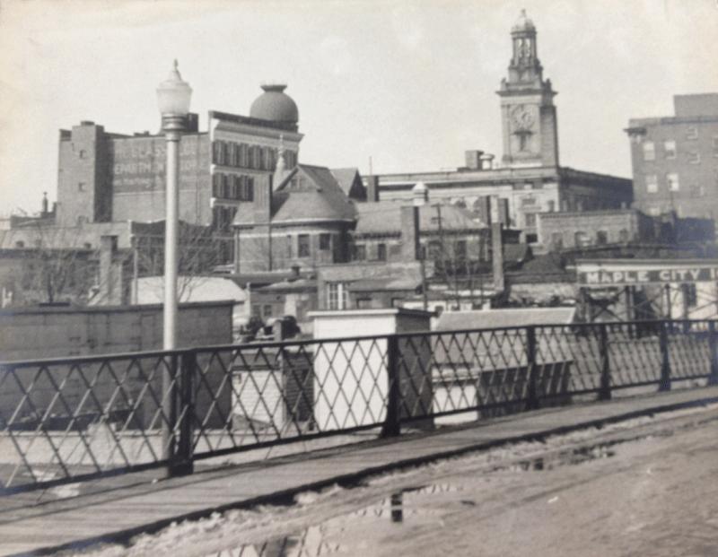 Linwood-St-Bridge-1930-40seo.png