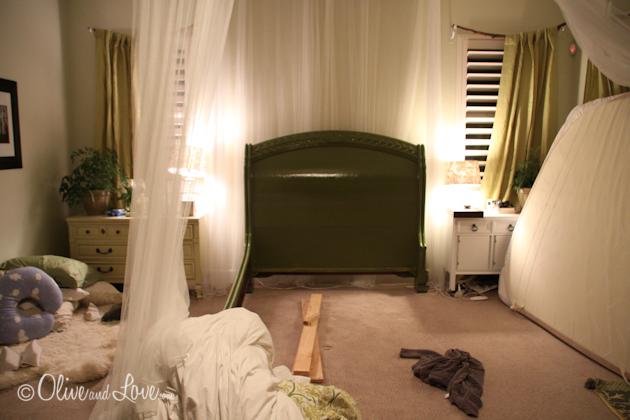 queen green bed