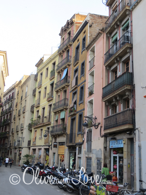 buildings alley shopping barcelona spain girls trip to europe
