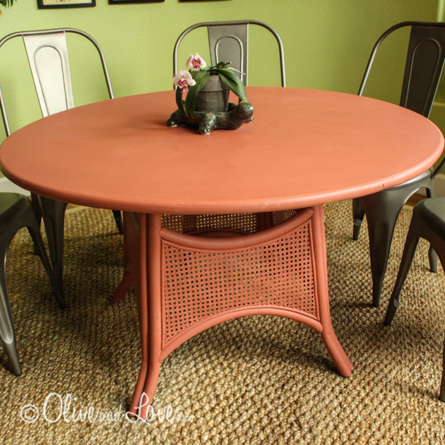painting a laminate top and rattan table with chalk paint