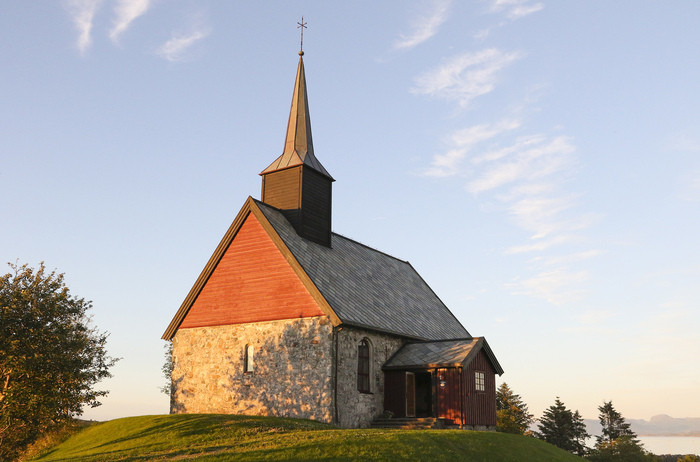 Edøy gamle kirke.jpg