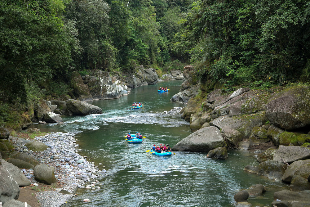 costa-rica-vacation-package-rgorge-rafts.jpg