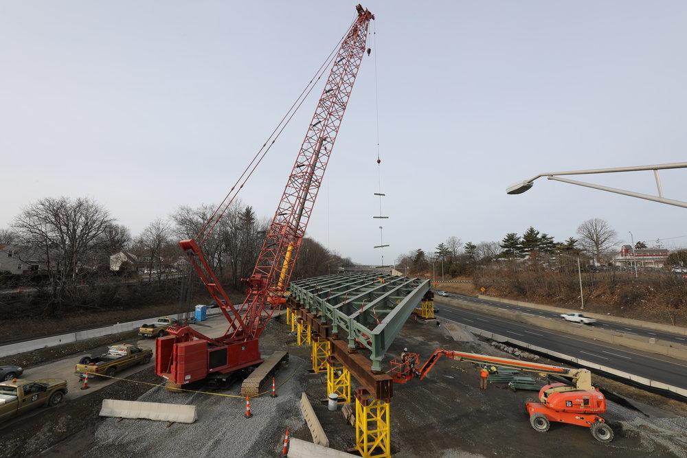 Crane lifts steel for new bridge span    2/23/2019 by Peter Venoutsos