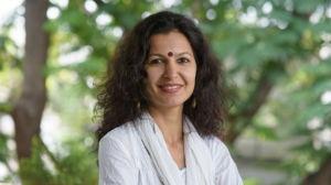 Jayna Kothari - (India) independiente; Co-fundador y Director Ejecutivo, Centro de Investigación de Leyes y Políticas; Abogado, Tribunal Superior de Karnataka y Tribunal Supremo de la India.